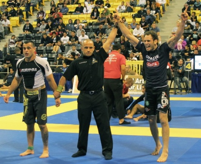 Professor Victor Estima celebrates during last BJJ No-Gi Worlds. Photo: Deb Blyth.