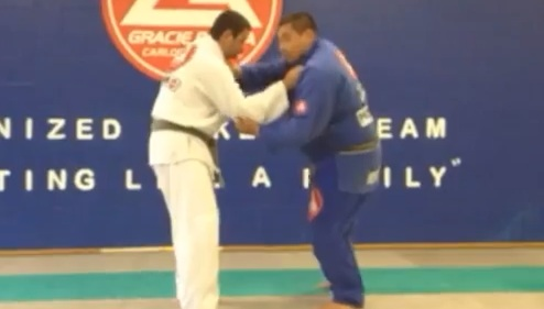 Jiu-Jitsu Shoulder Throw