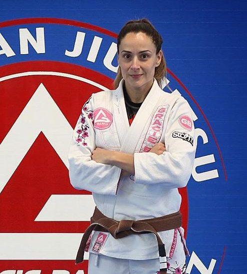 Coach Vivi Almeida,