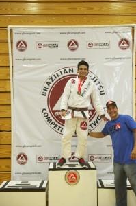 Rodrigo Augusto poses with Nelson Monteiro