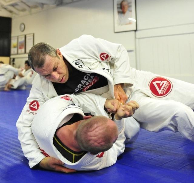 Jiu-Jitsu master Carlos Gracie training