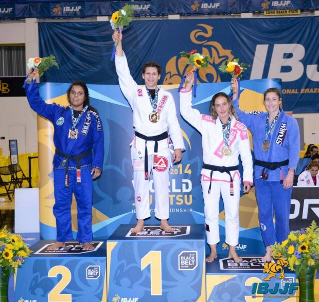 Ana Laura Cordeiro at the top of the podium in World Championship 2014 (IBJJF)