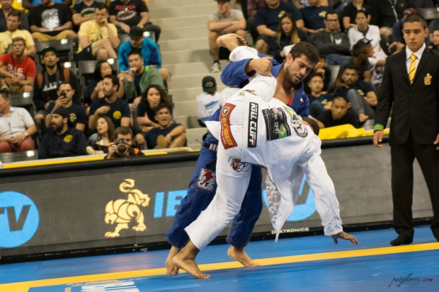 """Otavio Sousa – Gracie Barra Huntington Beach reminded his opponents why they call him the """"Steamroller."""""""