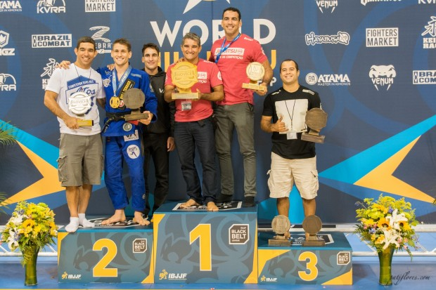 Gracie Barra took home two team awards placing first in both the novice and juvenile divisions. Accepting the awards were Professors Zé Radiola and Braulio Estima